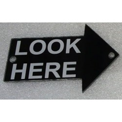 "PL0010 - ""LOOK HERE"" 1 METHACRYLATE LEFT ARROW. (8x12 cm - Inch 3,15x4,72)"